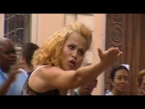 Vivi Dançarina dança Piradinha com Fabiano Martins