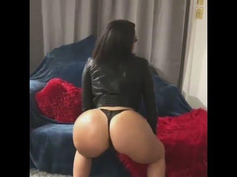 Sexy Hot Babe Big Booty Twerk