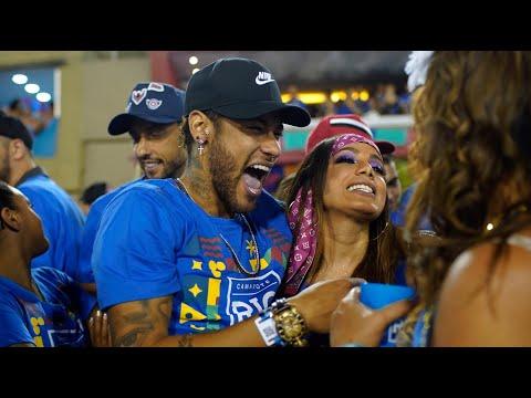 Neymar canta com Ludmilla e Bruna Marquezine faz quadradinho na sequência