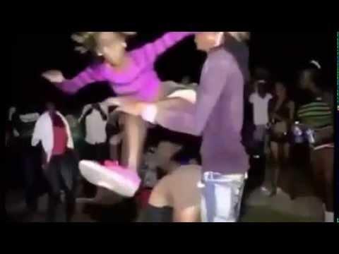 Festa De Louko Fudendo Com Roupa Musica - Mc Willy