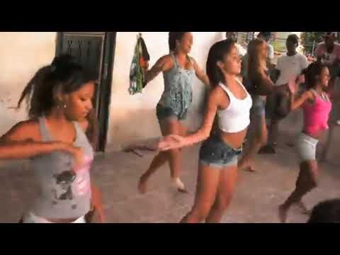 Funkeiras dançando Madonna feat Anitta - Faz Gostoso