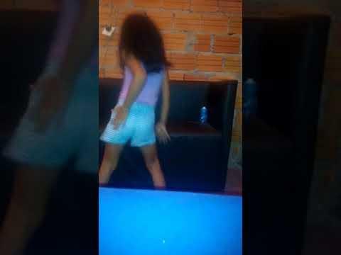 Dançando paradinha 0