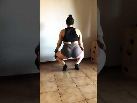 Shake your booty bubble twerk Saweetie